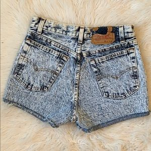 Vintage Levi's button fly high rise shorts